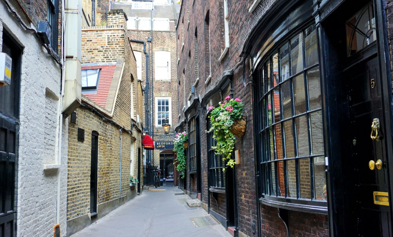 Harry Potter in London: Godwin's Court