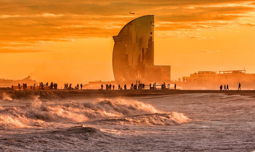 Sunset in Barcelona: Barcelona Beach